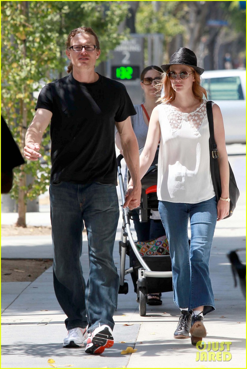 january jones holding hands mystery man 06