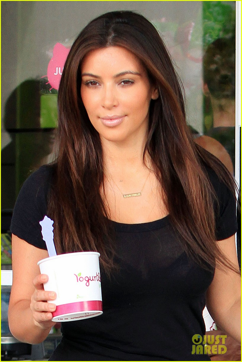 kim kardashian kanye west yogurtland twosome 062703657