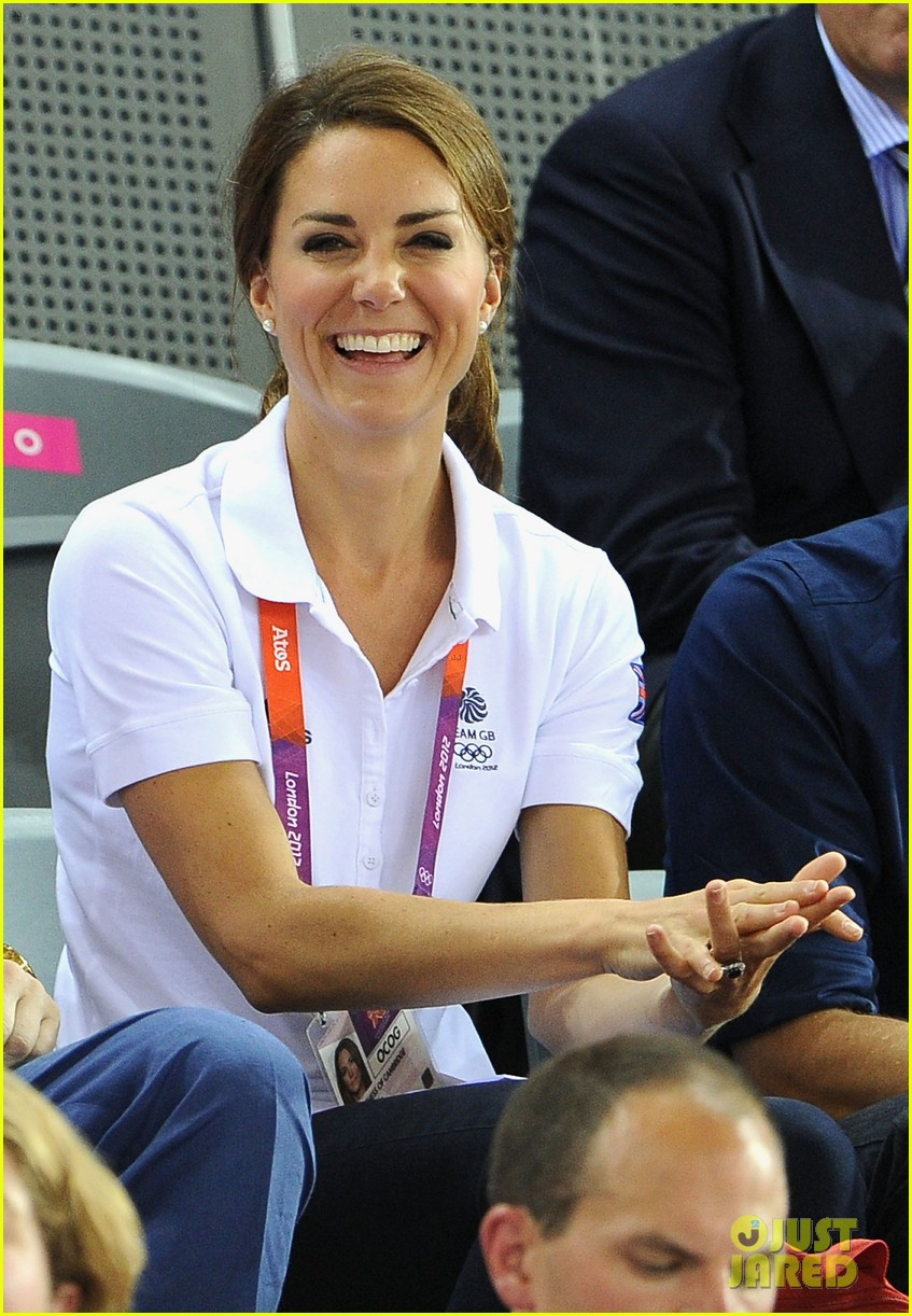 duchess kate prince william celebrate great britains cycling win at the olympics 05