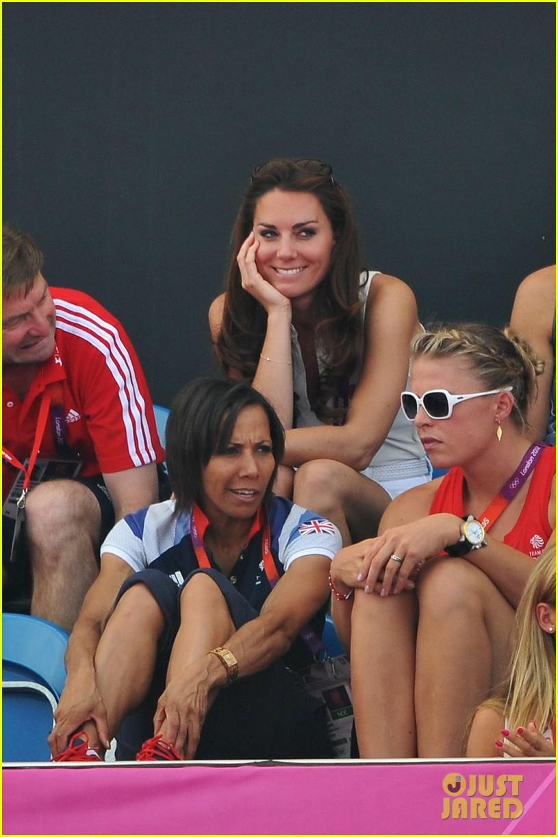 duchess kate womens hockey summer olympics 042699674