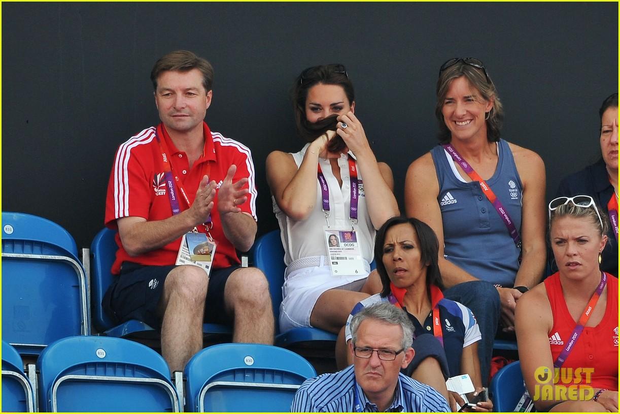 duchess kate womens hockey summer olympics 092699679