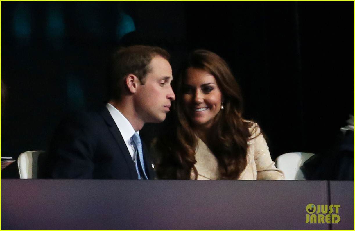 duchess kate prince william paralympics opening ceremony 032710565