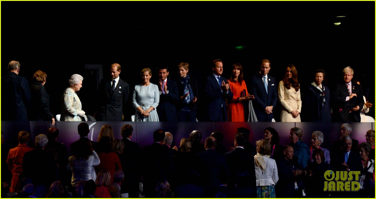 duchess kate prince william paralympics opening ceremony 052710567