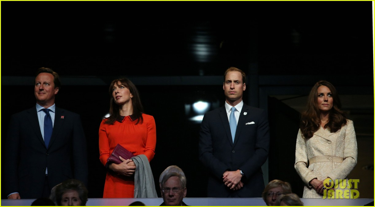 duchess kate prince william paralympics opening ceremony 082710570