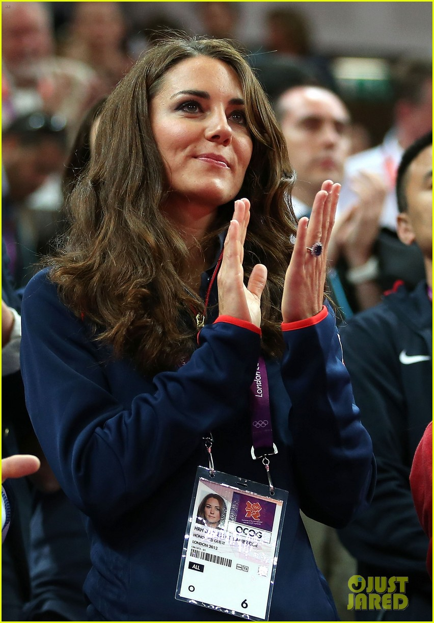 duchess kate olympic spectator 042697391