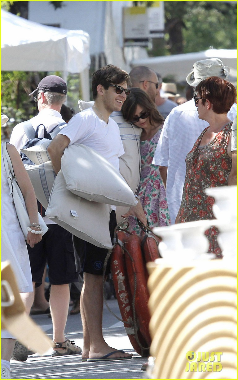 keira knightley french riviera james righton 022704798