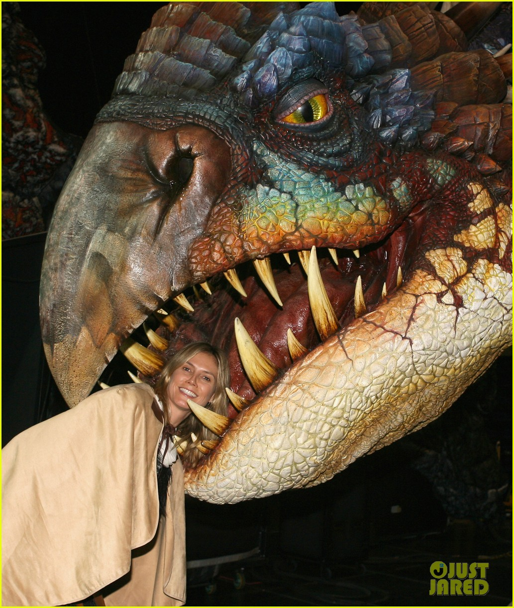 heidi klum gets eaten by a dragon 10