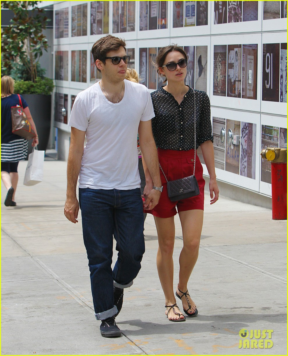 keira knightley stroll with james righton 01