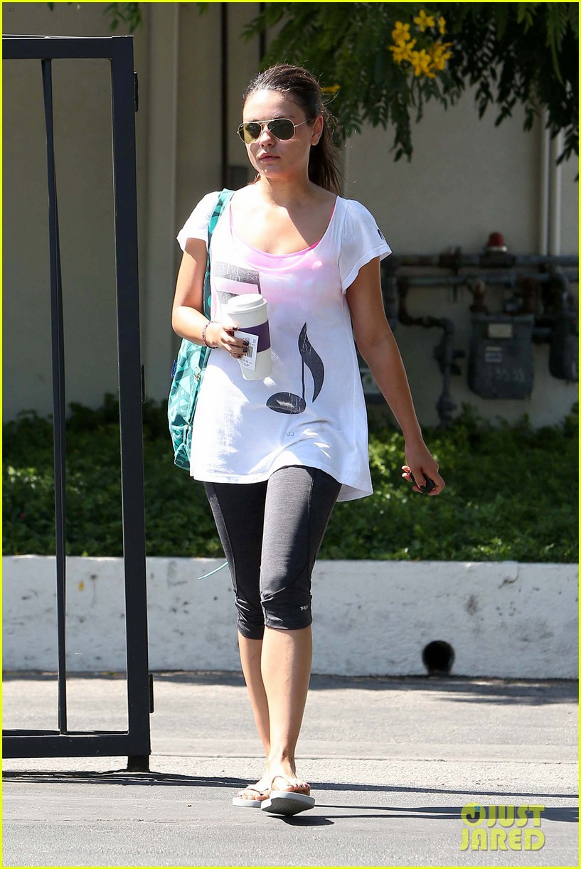 mila kunis musical workout 13