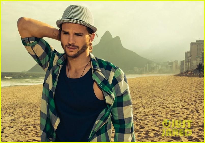ashton kutcher topless alessandra ambrosio colcci campaign 032698926