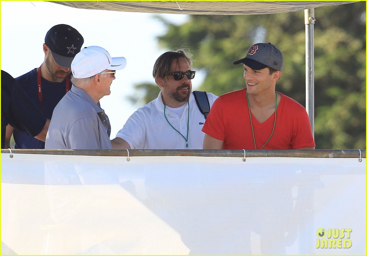 ashton kutcher cowboys training camp 13