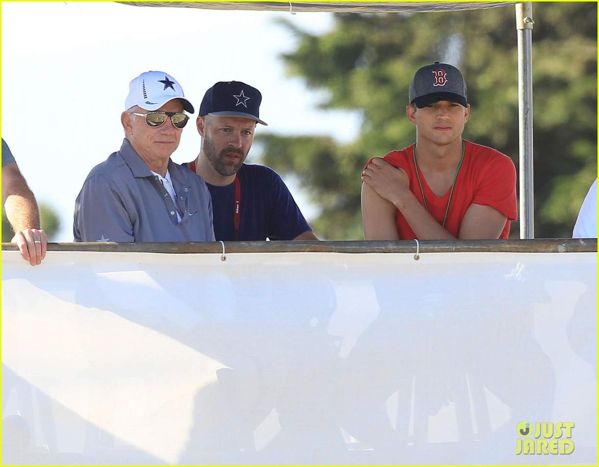 ashton kutcher cowboys training camp 22