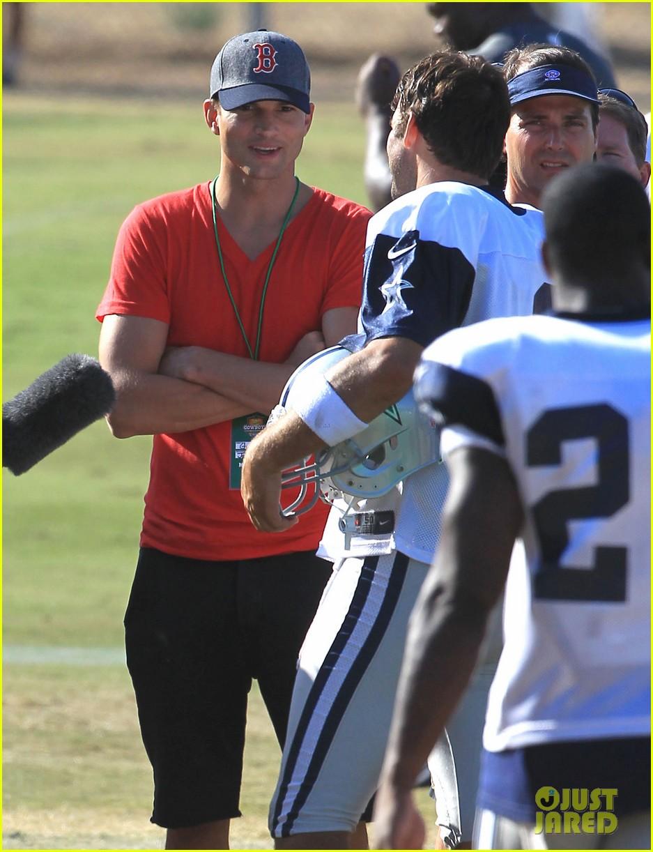 ashton kutcher cowboys training camp 272700565