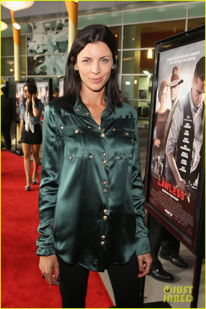 shia labeouf liberty ross lawless hollywood premiere 04