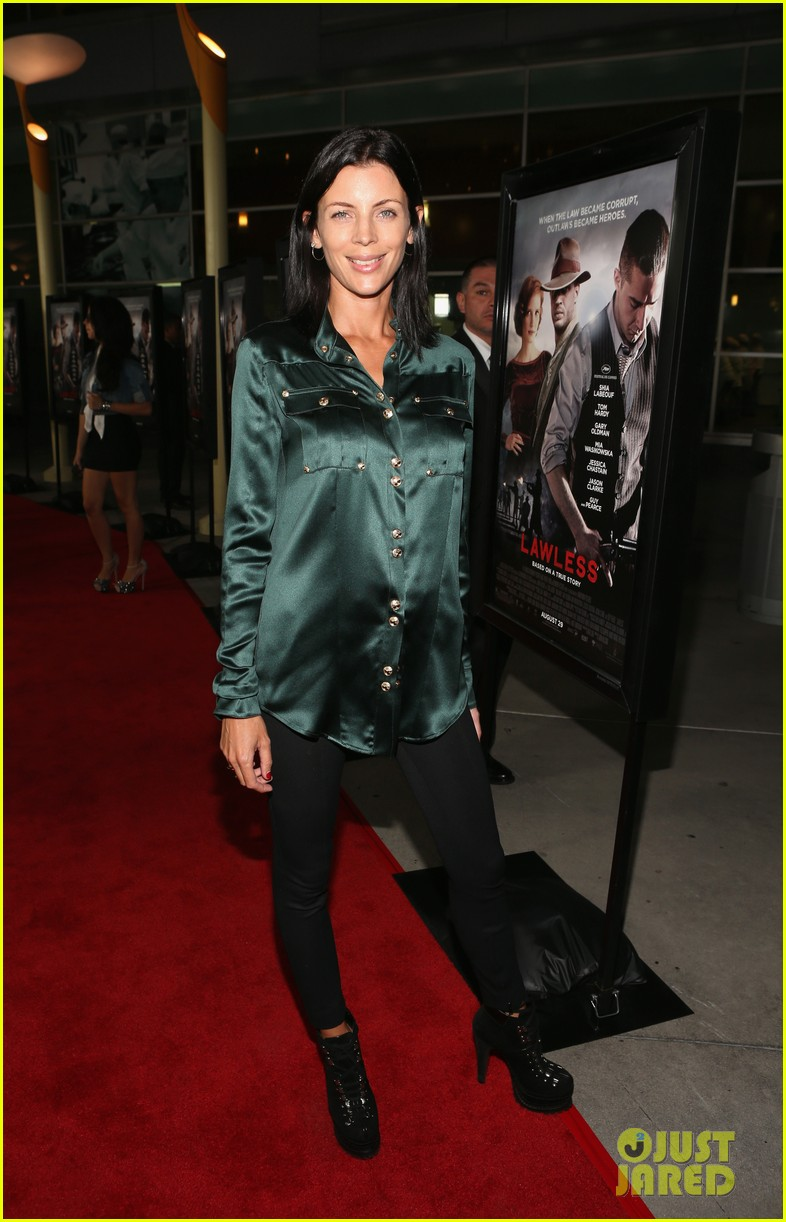 shia labeouf liberty ross lawless hollywood premiere 05