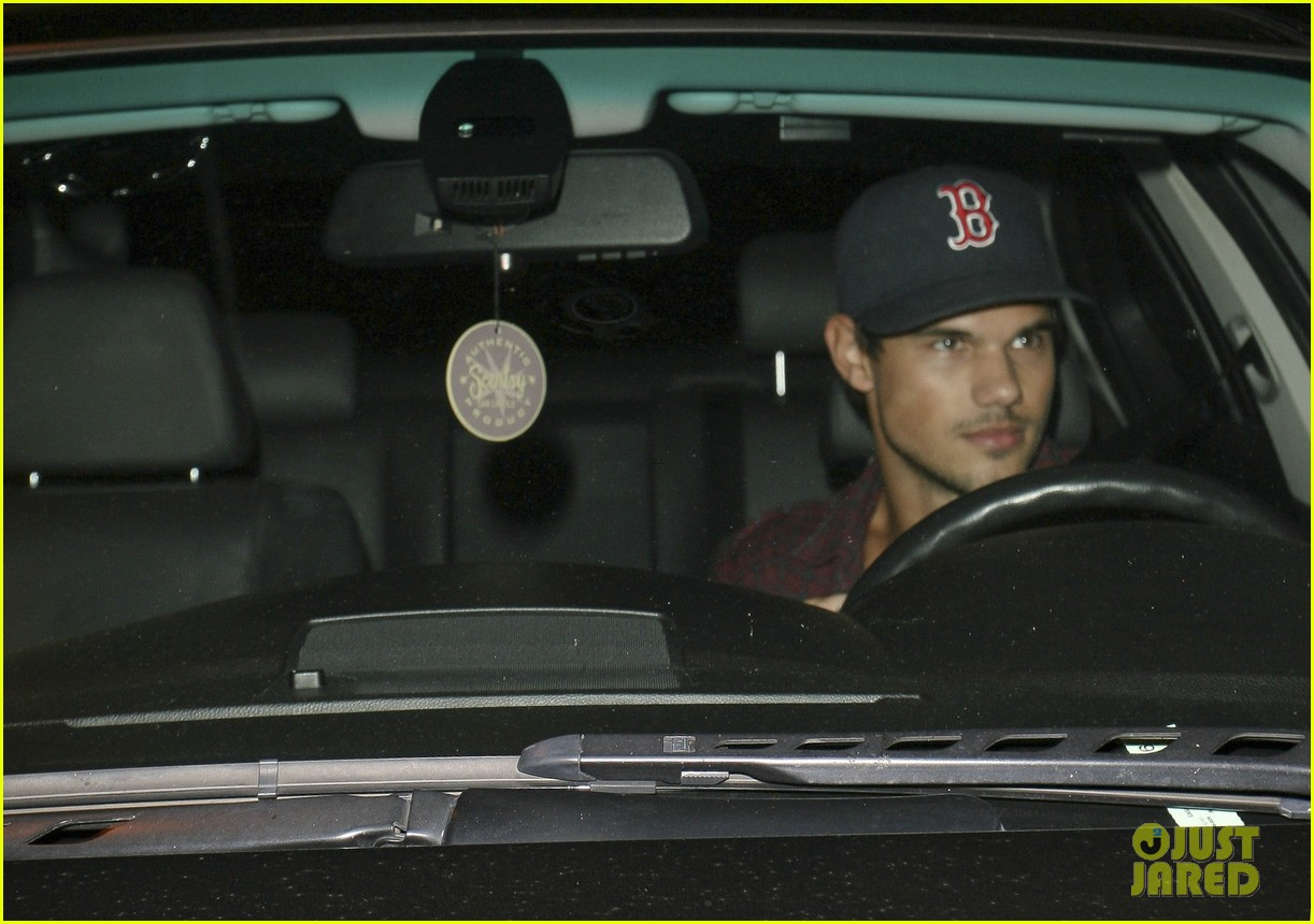taylor lautner brooklyn dodgers fan 082711814