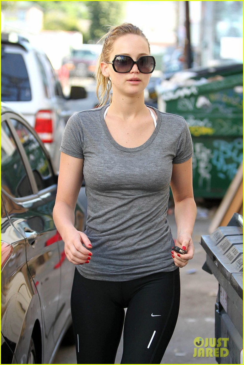 jennifer-lawrence-boxing-gym-02.jpg