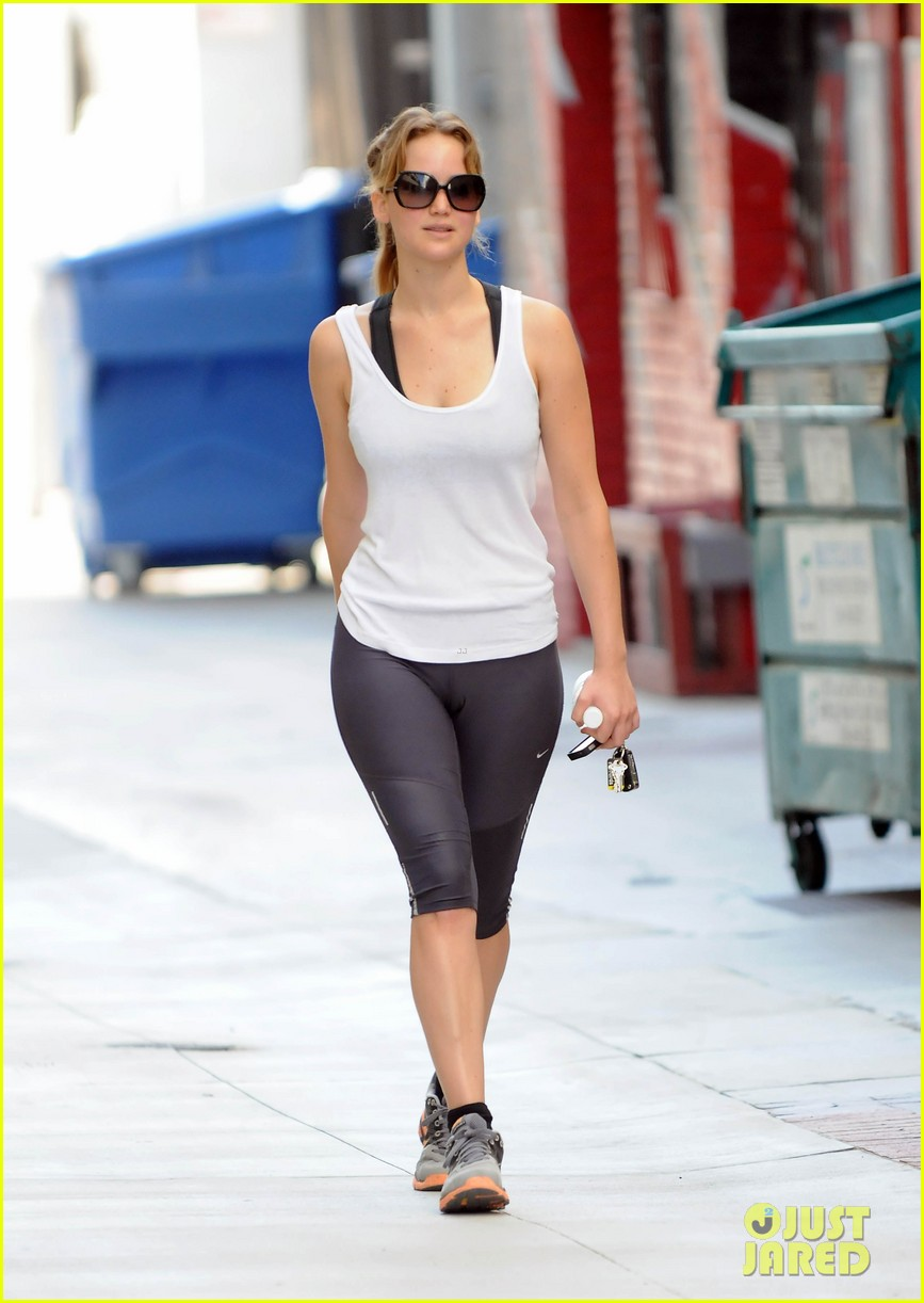 jennifer lawrence gym gal 03