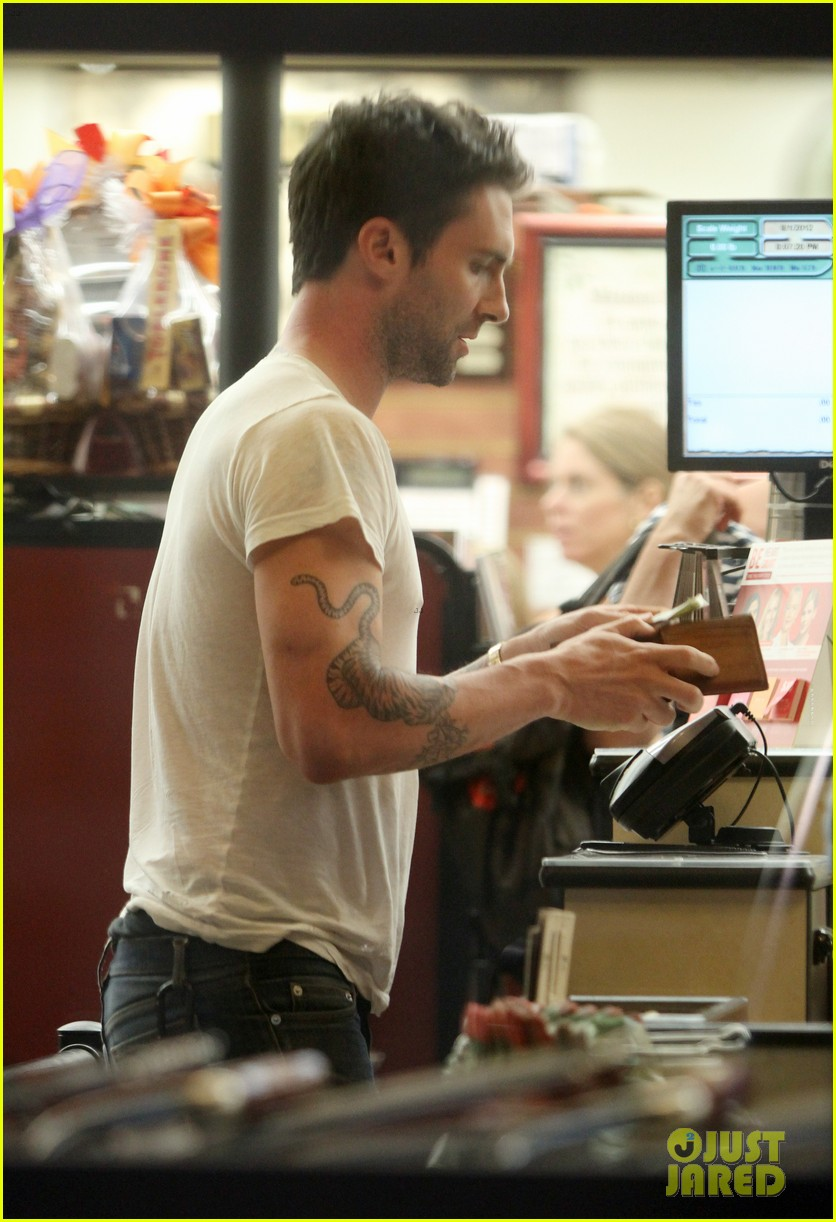adam levine american horror story set with jenna dewan 012695675