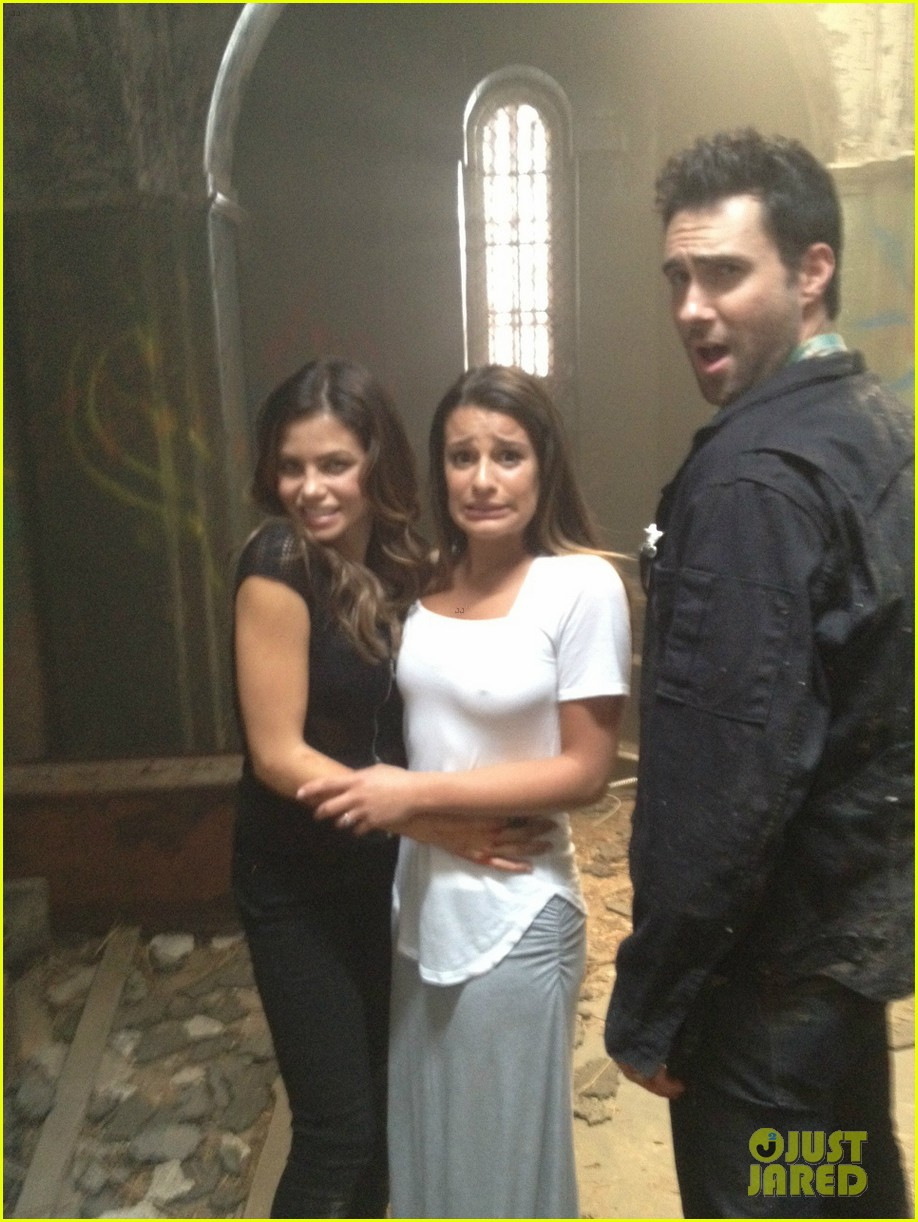 adam levine american horror story set with jenna dewan 032695677