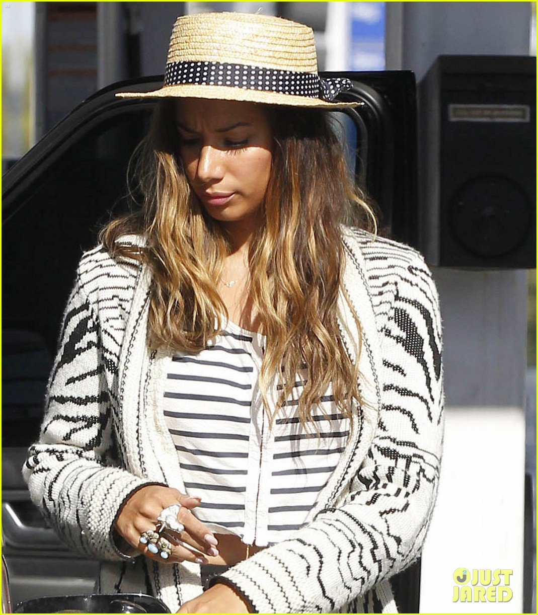 leona lewis stripes 042698376