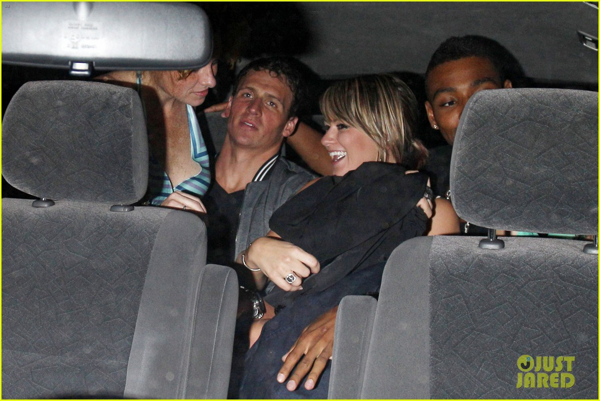 ryan lochte backseat pileup after olympics party 032697716