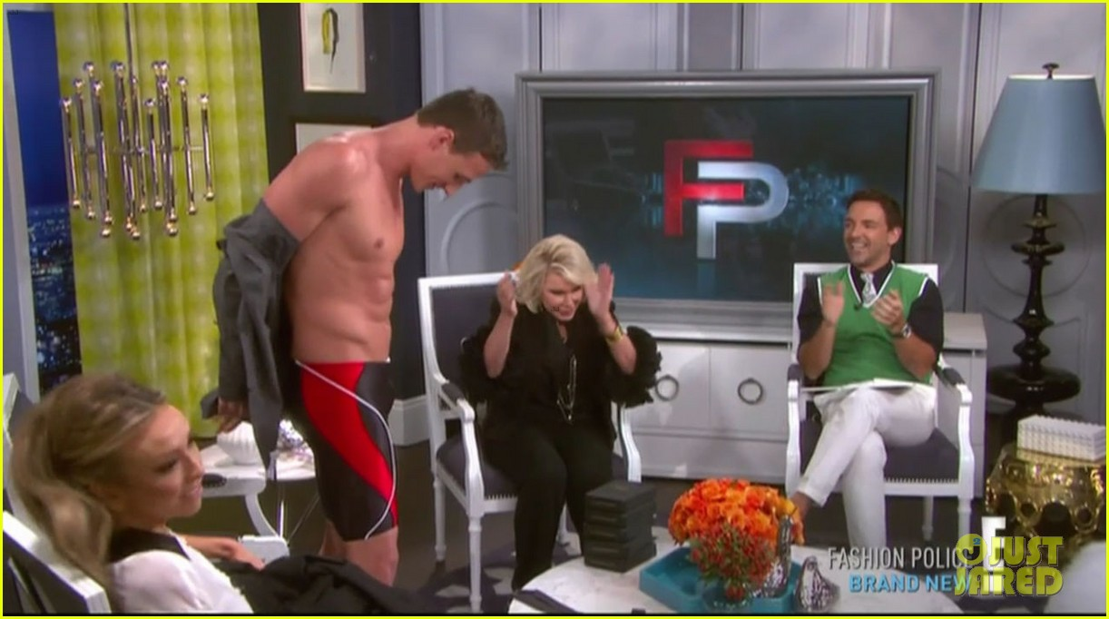 ryan lochte goes shirtless on fashion police 082709204