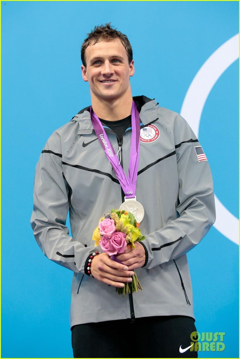 ryan lochte celebrates birthday at london olympics 042696195