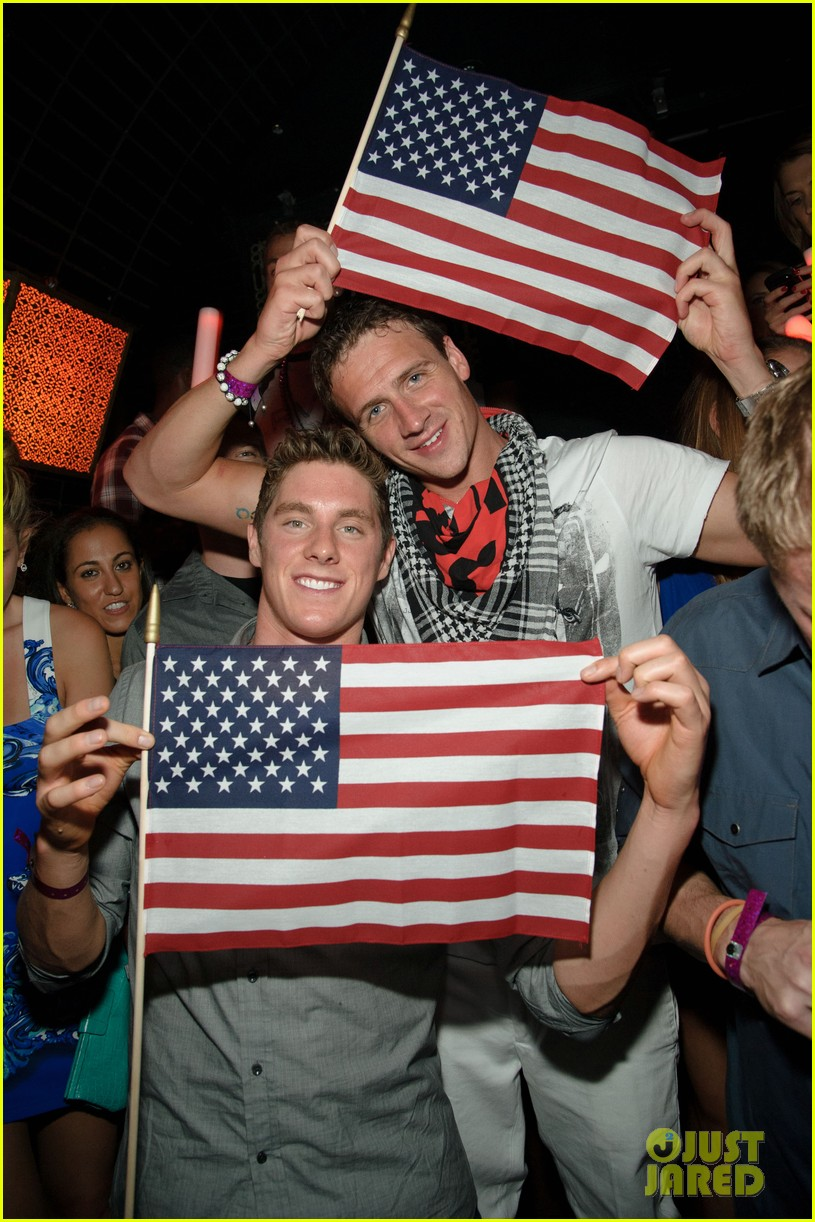 ryan lochte las vegas pool party weekend 052704450