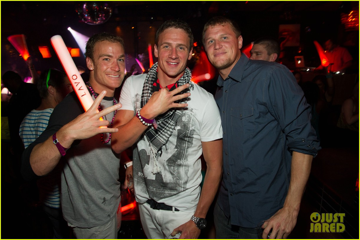 ryan lochte las vegas pool party weekend 142704459