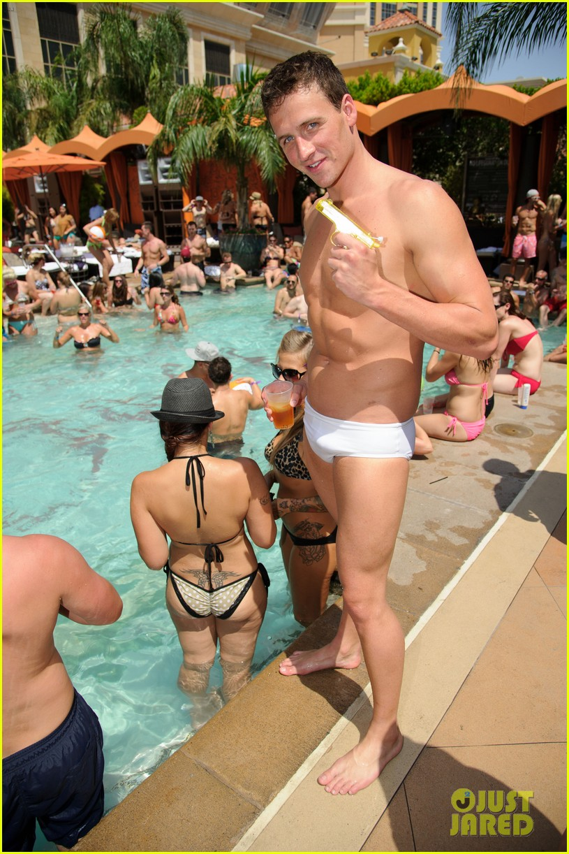 ryan lochte las vegas pool party weekend 152704460