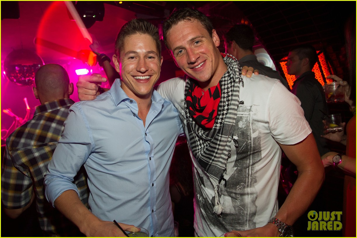 ryan lochte las vegas pool party weekend 22