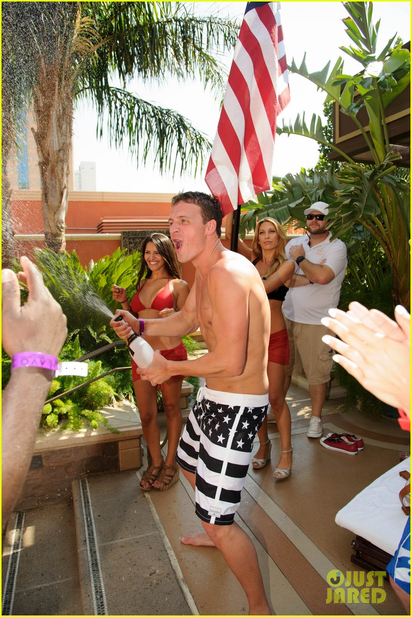 ryan lochte las vegas pool party weekend 592704504