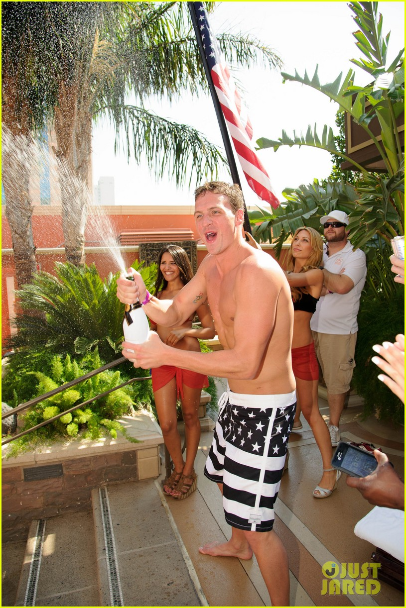 ryan lochte las vegas pool party weekend 602704505