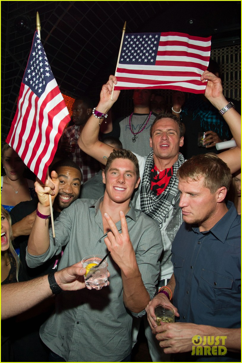 ryan lochte las vegas pool party weekend 672704512