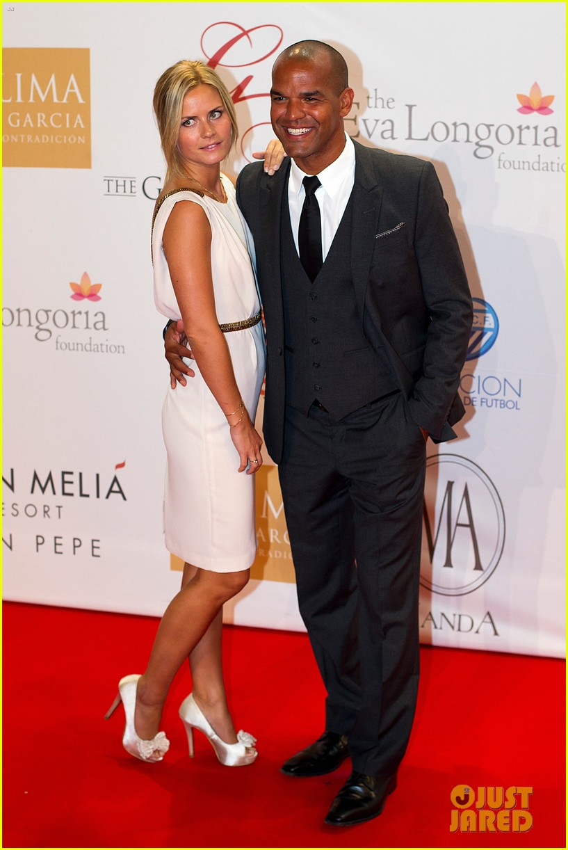 eva longoria amaury nolasco global gift gala givers 052705495
