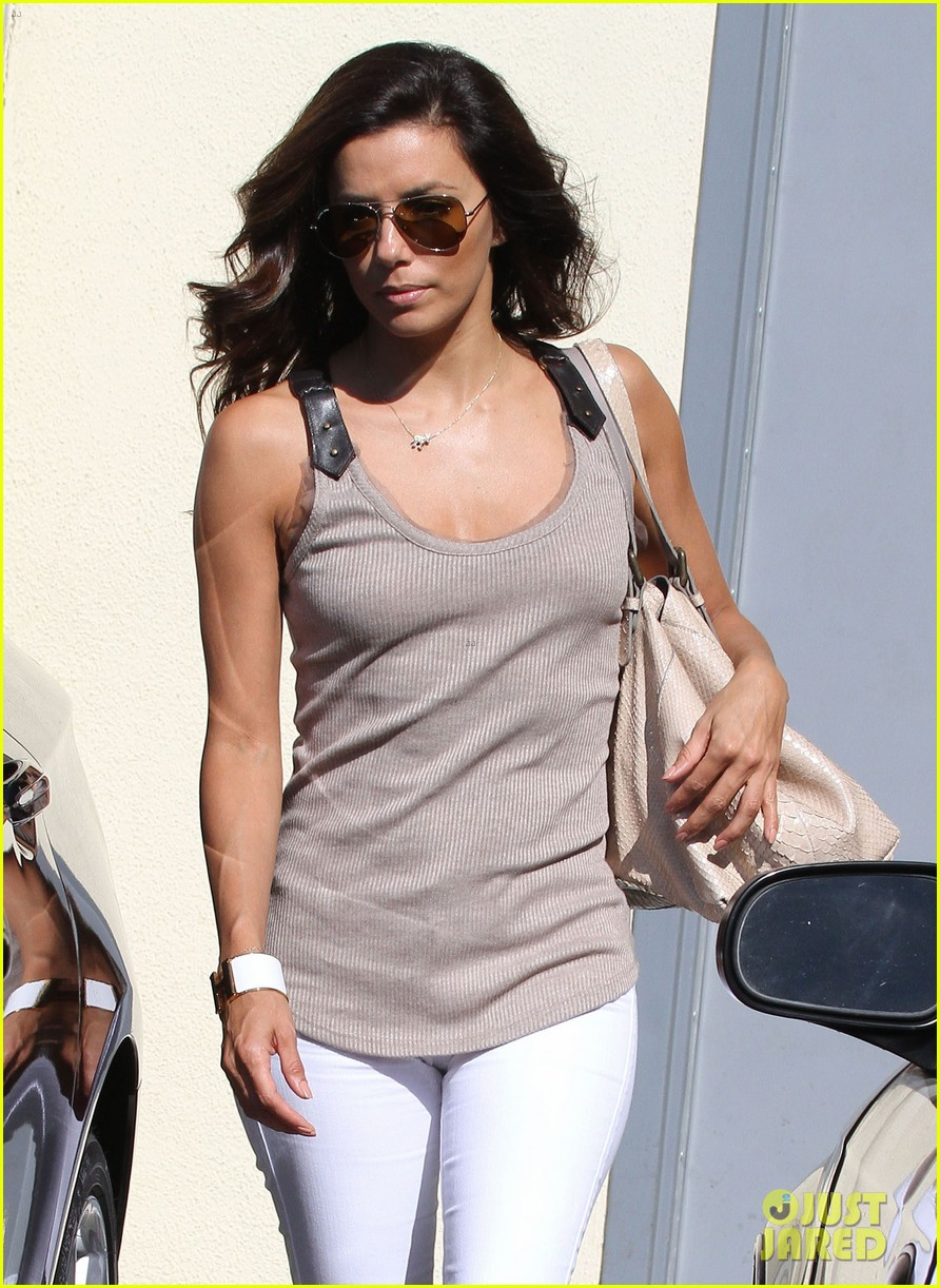 eva longoria salon stop in studio city 02