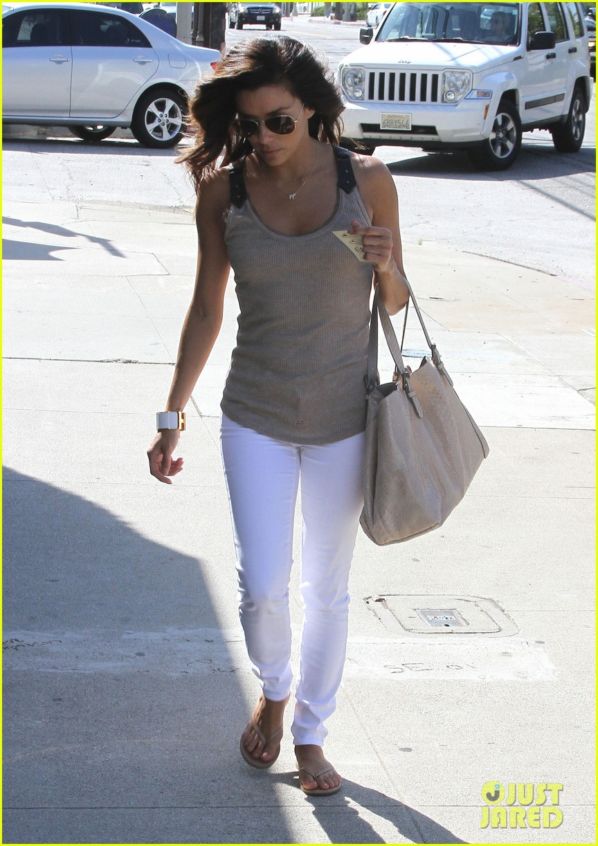 eva longoria salon stop in studio city 11