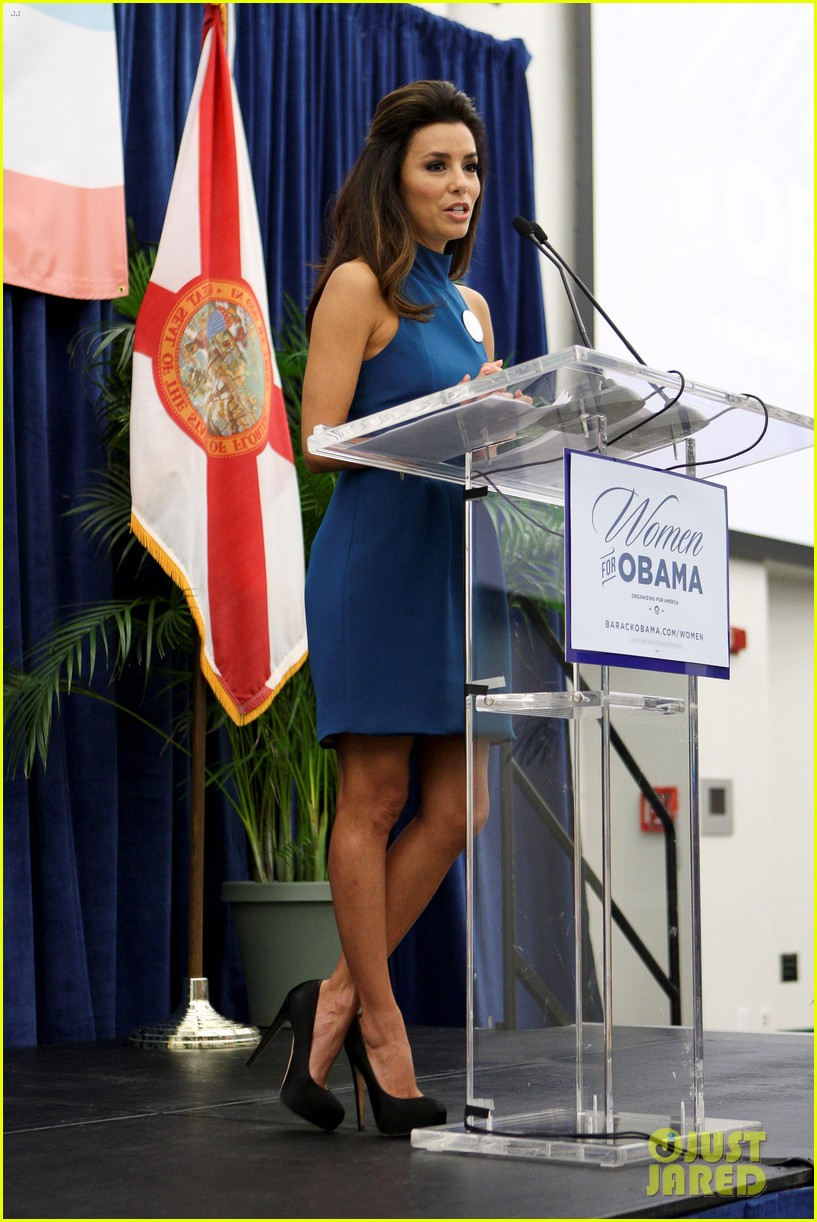 eva longoria supports obama at florida womens summit 05