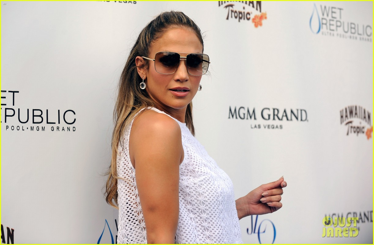 jennifer lopez wet republic pool appearance 112704432