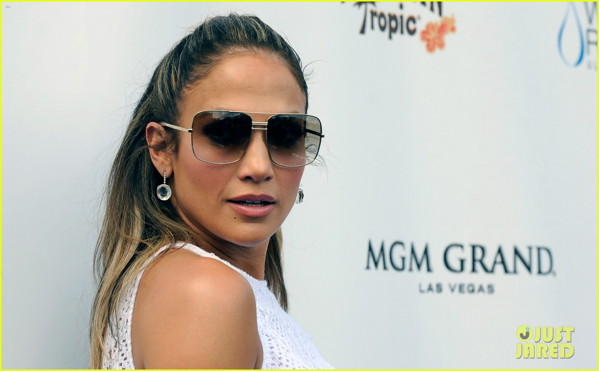 jennifer lopez wet republic pool appearance 24