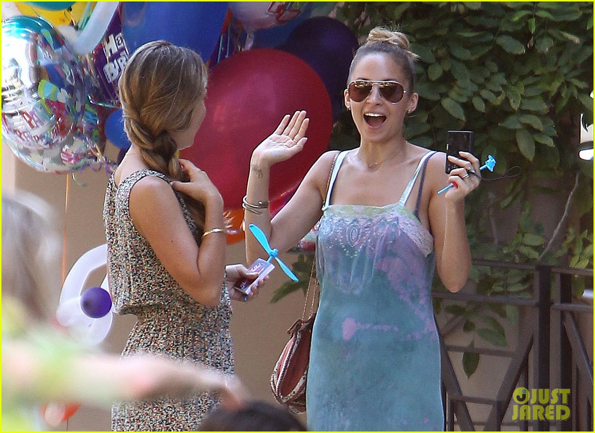 tobey maguire nicole richie birthday 18