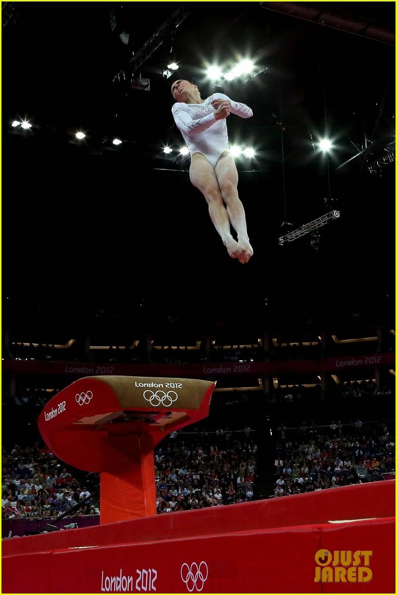 mckayla maroney falls during vault finals wins silver medal 062697515