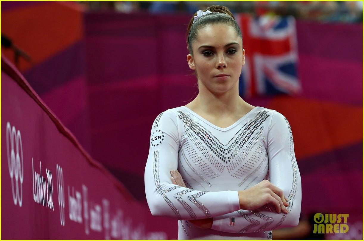 mckayla maroney falls during vault finals wins silver medal 092697518