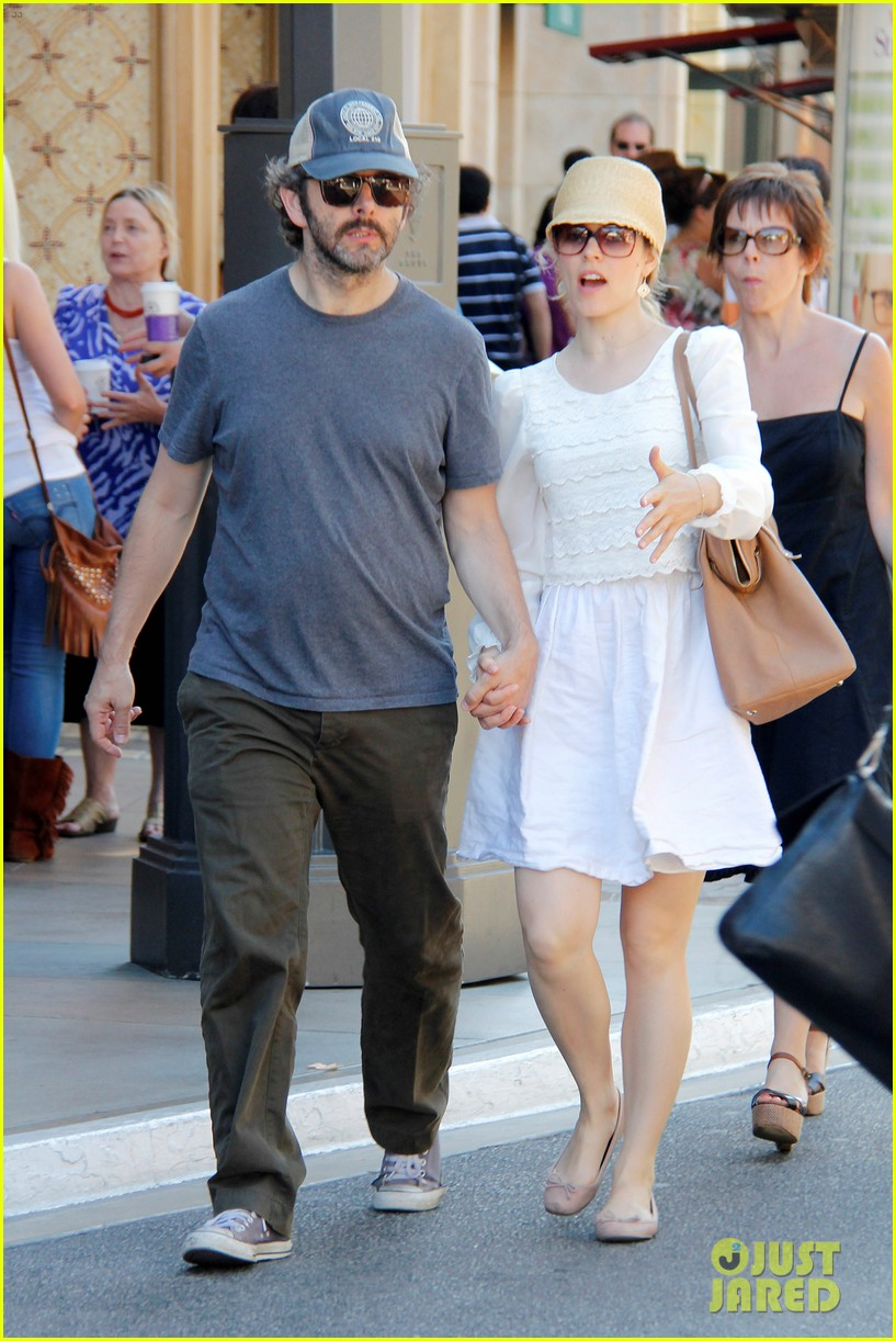 rachel mcadams michael sheen hold hands at the grove 10