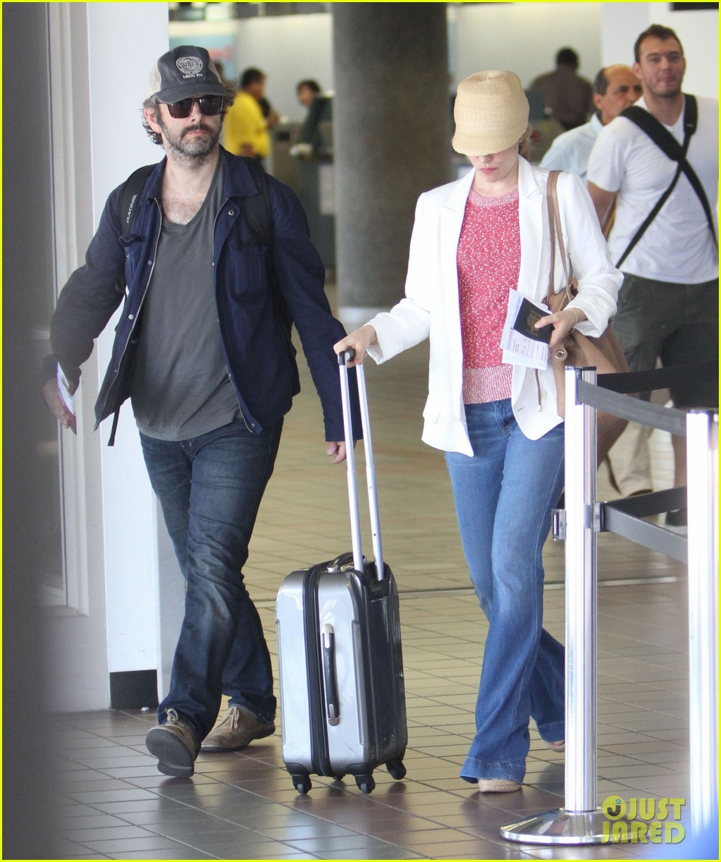 rachel mcadams michael sheen lax airport 02