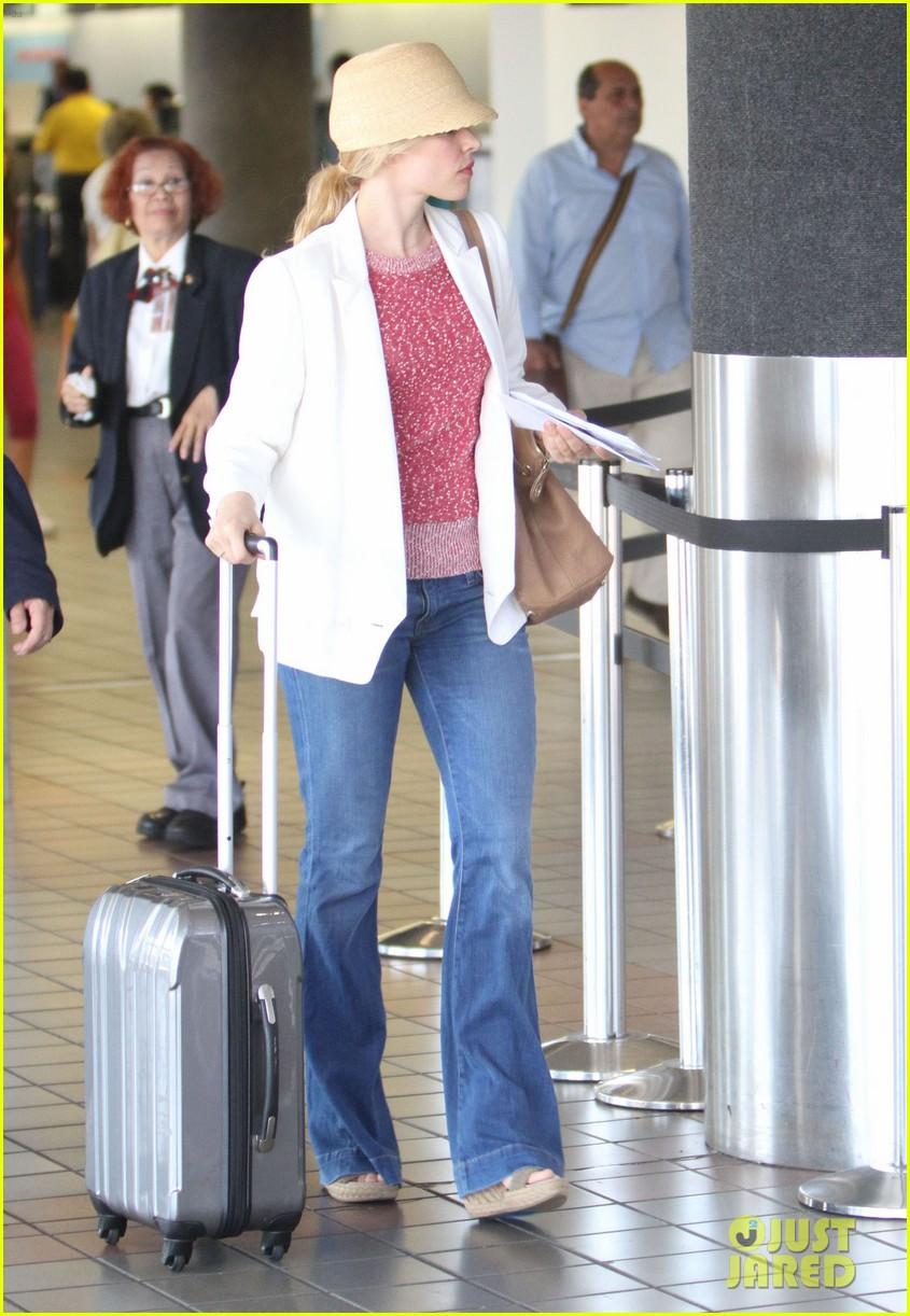 rachel mcadams michael sheen lax airport 102699741