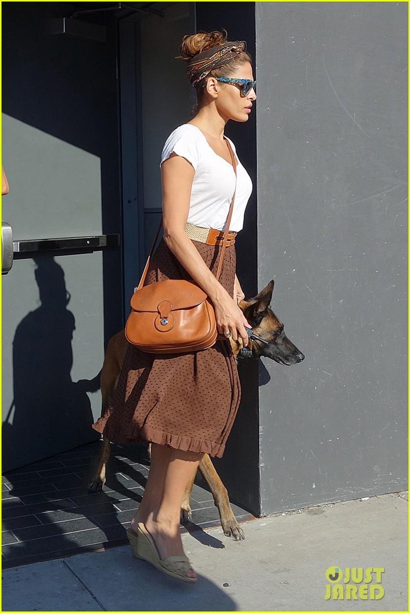 eva mendes errands with hugo 012705638