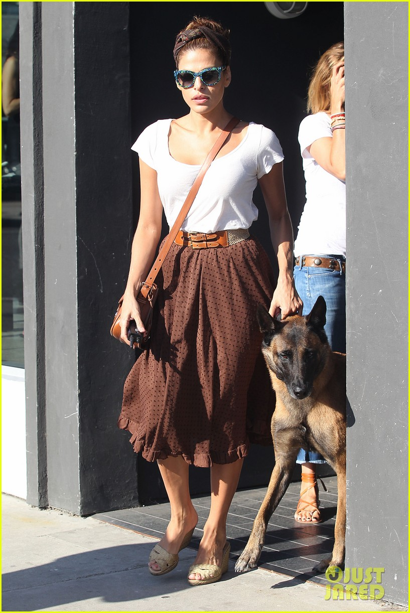 eva mendes errands with hugo 042705641