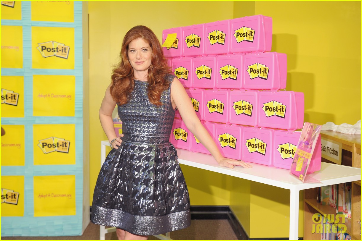 debra messing post it program launch is a smash 18